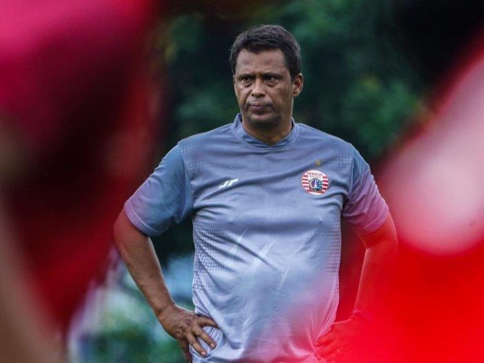 Photo of Pelatih Persija Rela Gajinya Dipotong