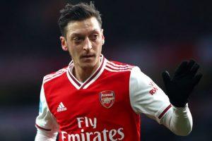 Mesut Ozil Akan Bertahan di Arsenal!