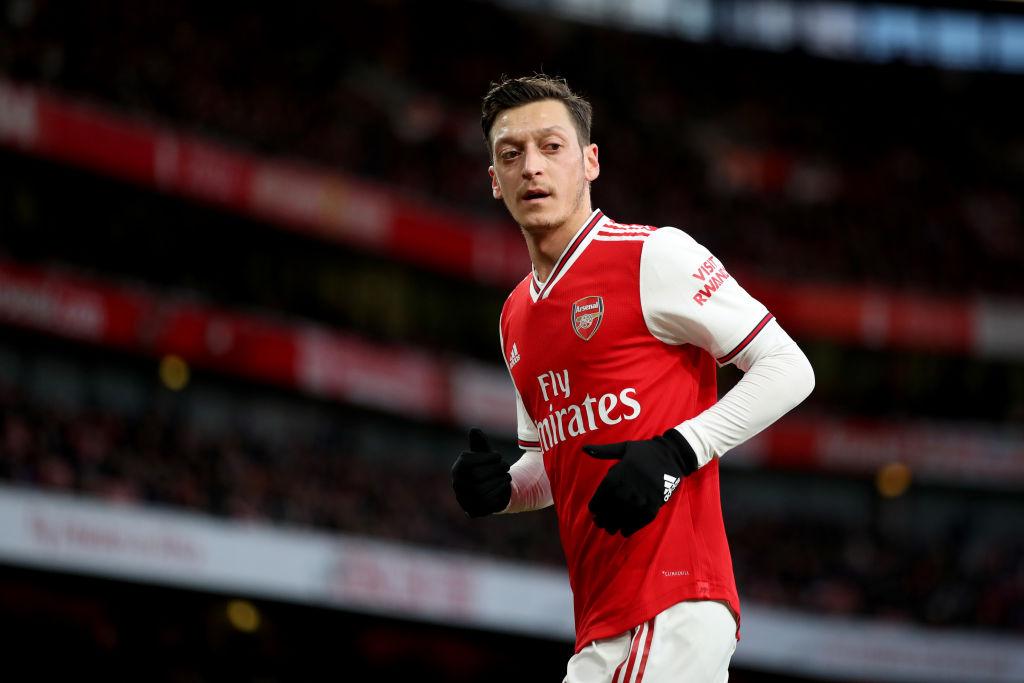 Photo of Mesut Ozil Akan Bertahan di Arsenal!