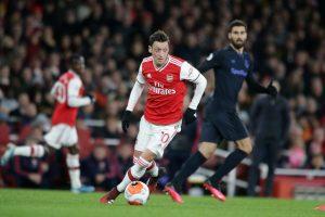 Mesut Ozil Akan Bertahan di Arsenal! 1