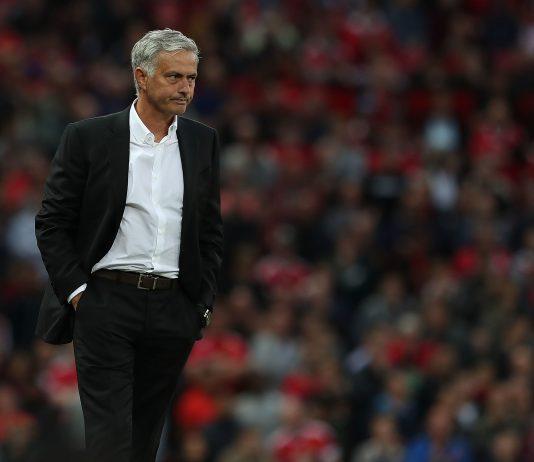 Emmanuel Adebayor Klaim Mourinho sebagai Pelatih Terbaik