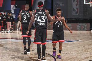 Kyle Lowry (kiri) dan Pascal Siakam (tengah) mencetak double-double untuk membawa Raptors memenangi game keempat melawan Celtics.