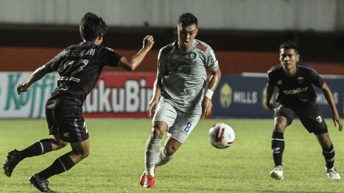 Highlight Piala Menpora 2021: Persib Taklukkan Jungkalkan Persita 3-1